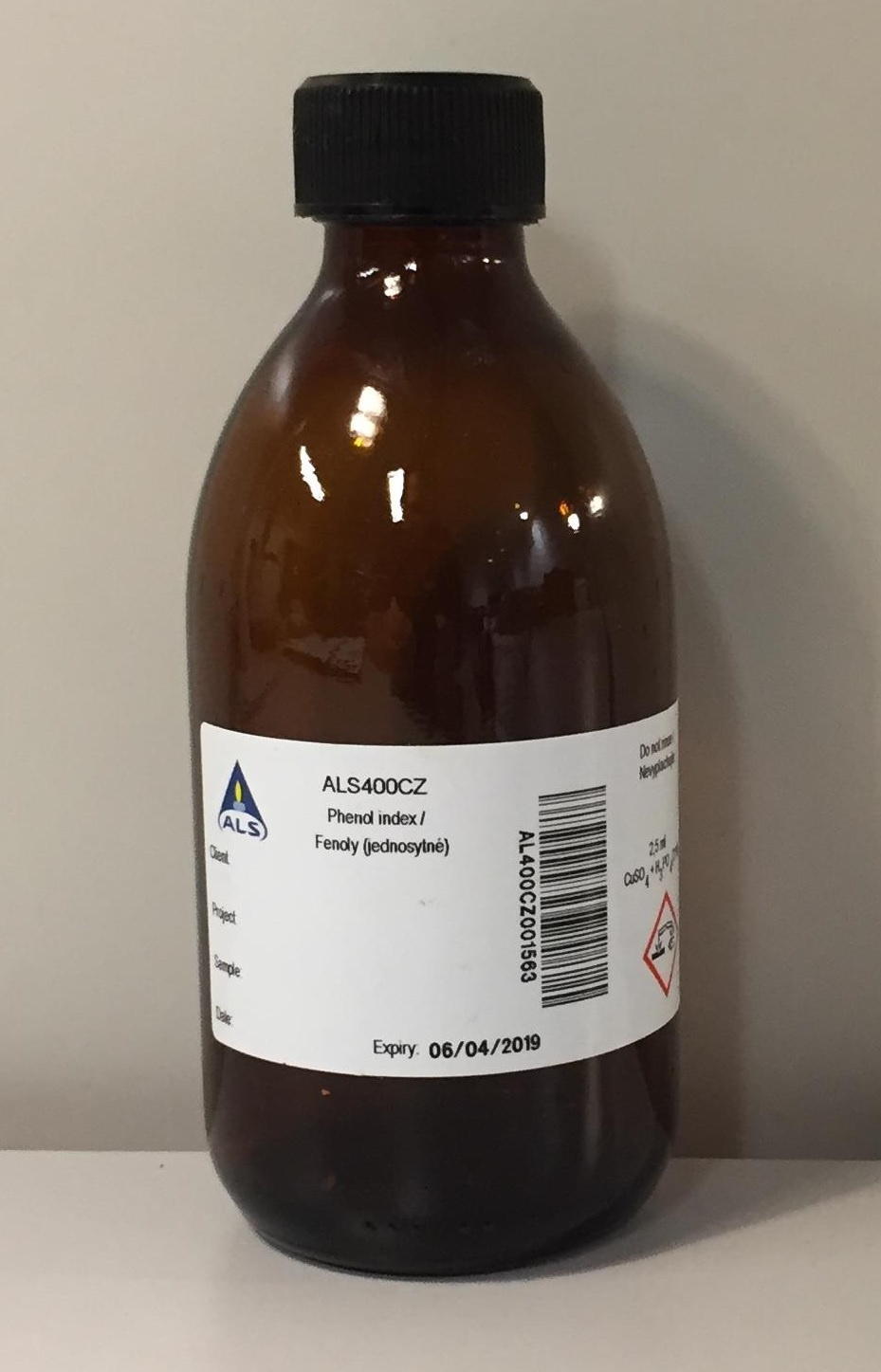 Conserved bottle for phenol and phenol index